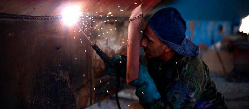 Una profesión llena de oportunidades en Sevilla: soldador